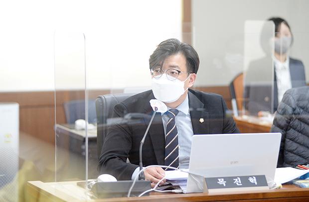 퍼스트신문  / 시의회